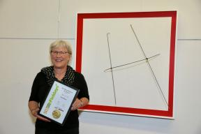 Akky van der Velde2c winner of the Fieldays No.8 Wire National Art Award2c with her work Outside the Square.2