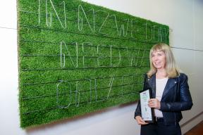 Jill Godwin 2017 Fieldays No.8 Wire National Art Award winner with her work The No.8 Wire Lettering System Fences vs Walls2