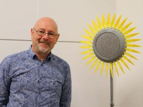 Tim Elliot with No 8 Wire Sculpture2